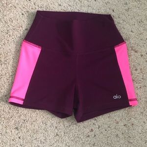 Airbrush high-waisted shorts from ALO Yoga.